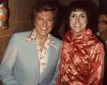LIBERACE   AT CIRCLE STAR THEATRE