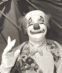 Verne as a clown
